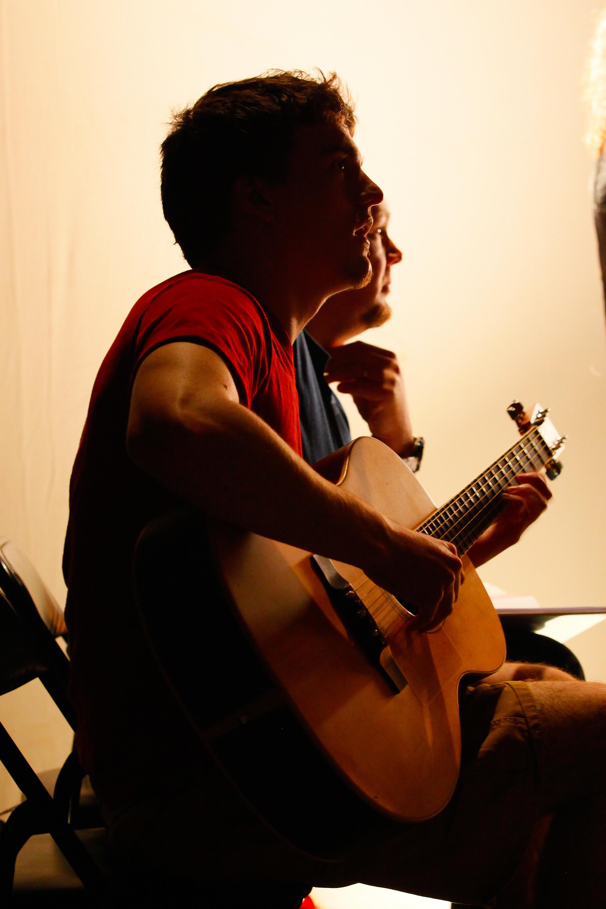 Mike Walker, guitarist