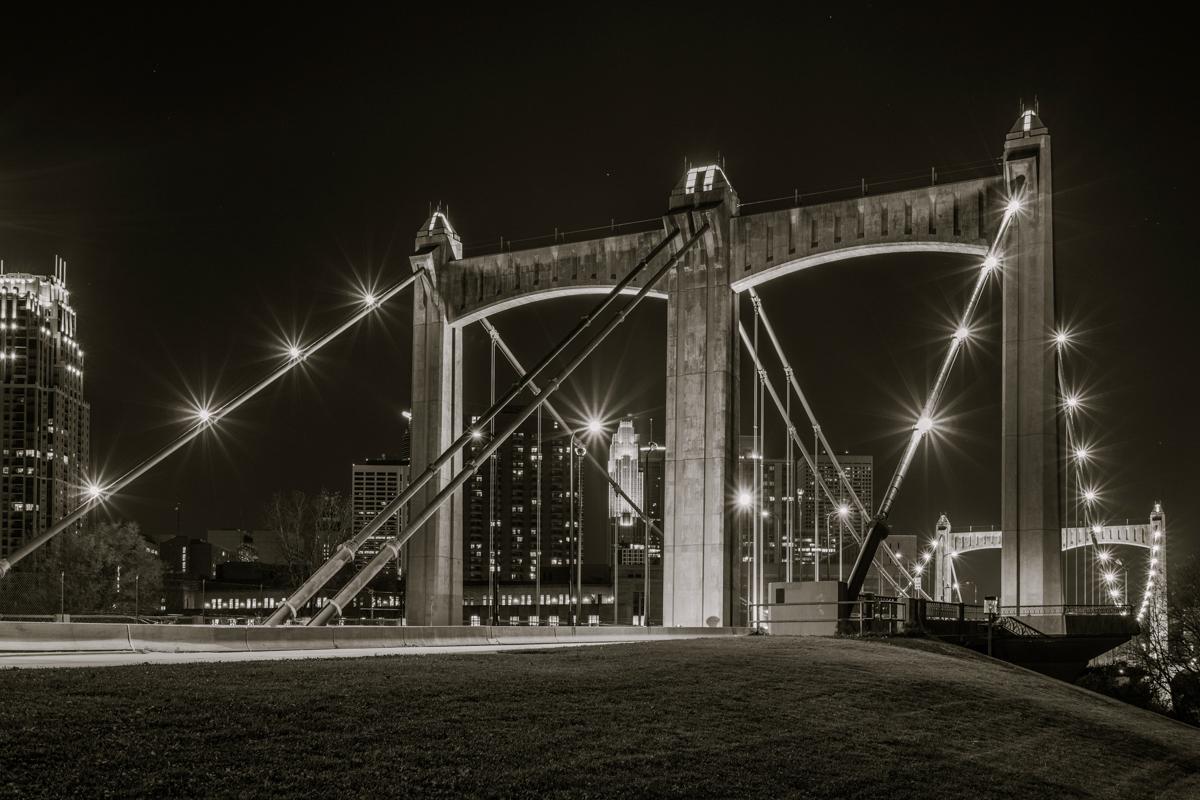 Hennepin Bridge-3.jpg