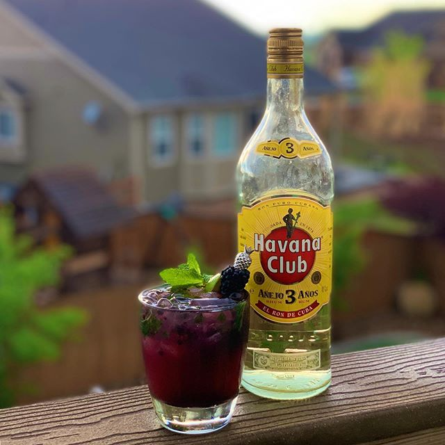 A stormy Memorial Day weekend, but still a great opportunity for fresh muddled blackberry mojitos with the classic @havanaclub Tres Años. #playwithyourcocktail #originalhipstirrer #pineapple #mojito #mojitos #rum #ron #elrondecuba #blackberrymojito #3años #havanaclub