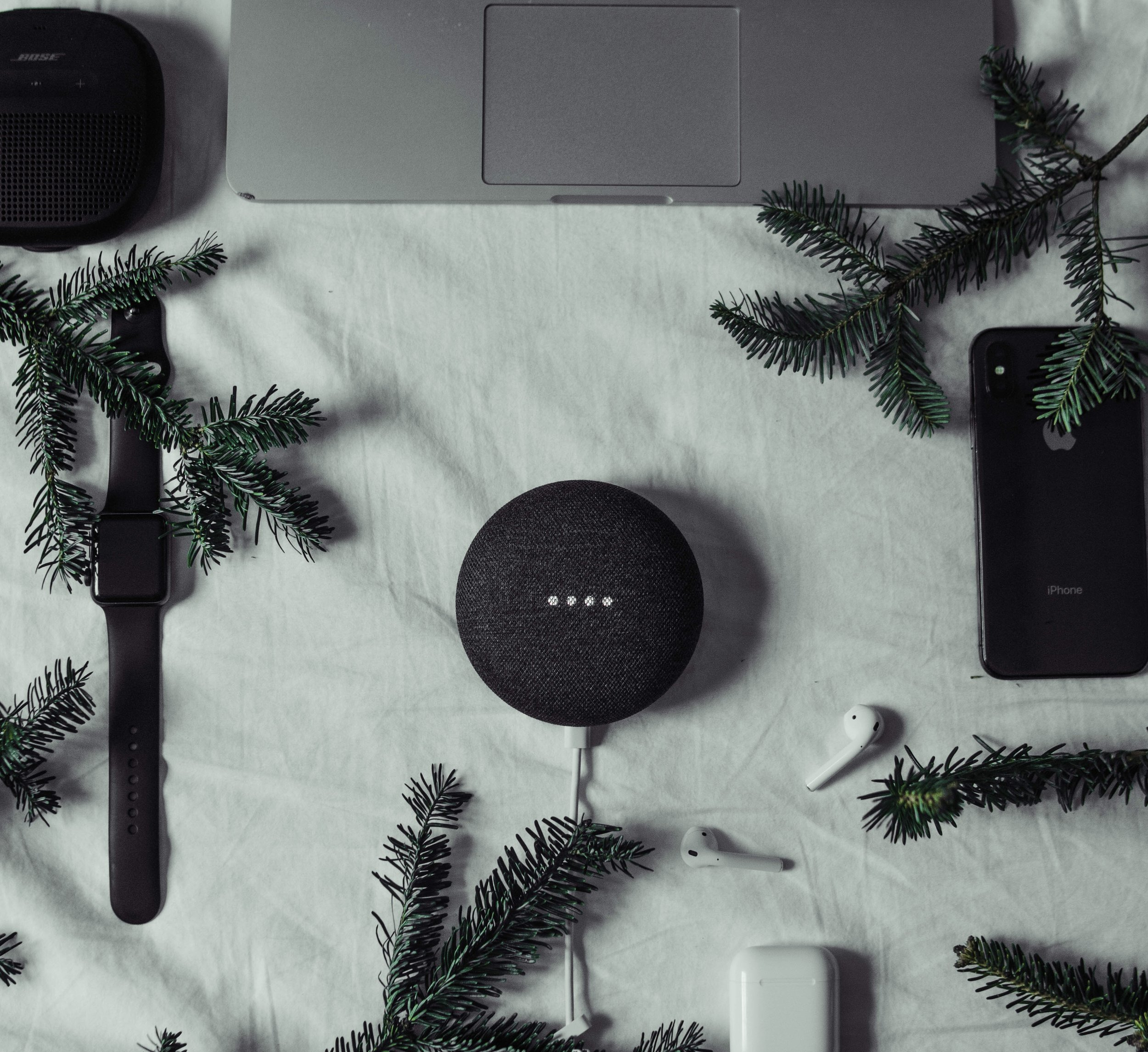 Chicago's best corporate gift ideas for corporate gifting. Get your product in gift guides and product roundups in top tier media placements.