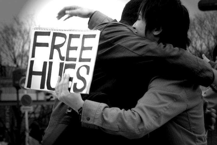 Free hugs (photo credit:https://www.flickr.com/photos/eelssej_/394781835)