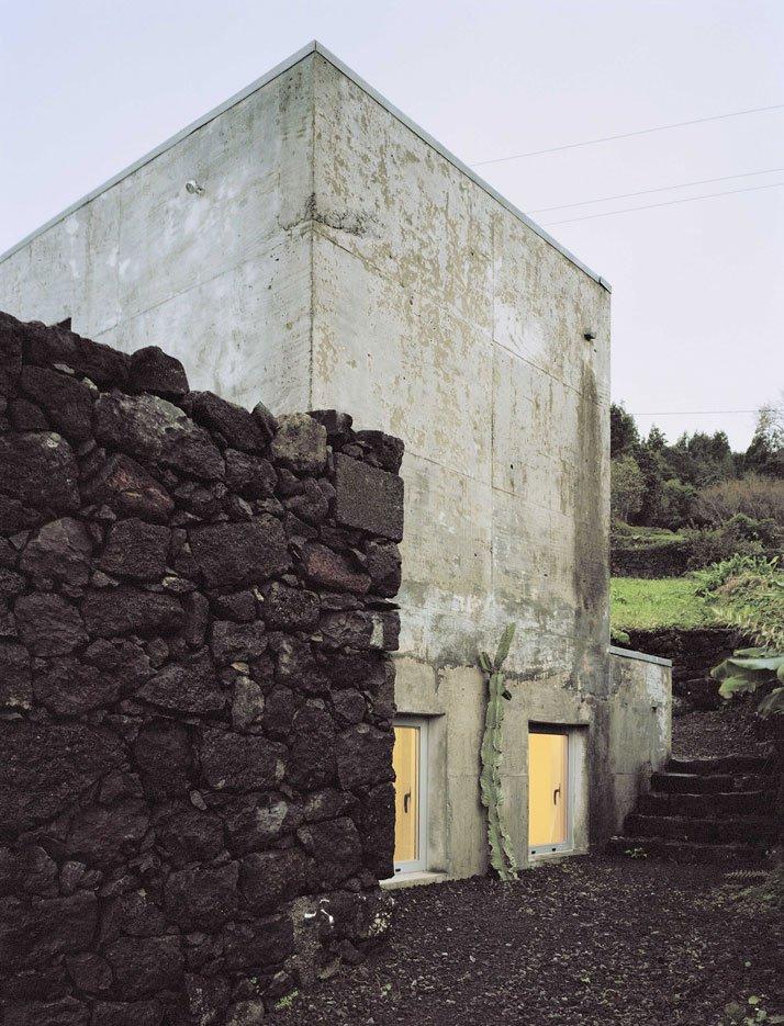 3_casa_e_c_by_SAMI_arquitectos_acores_portugalyatzer.jpg