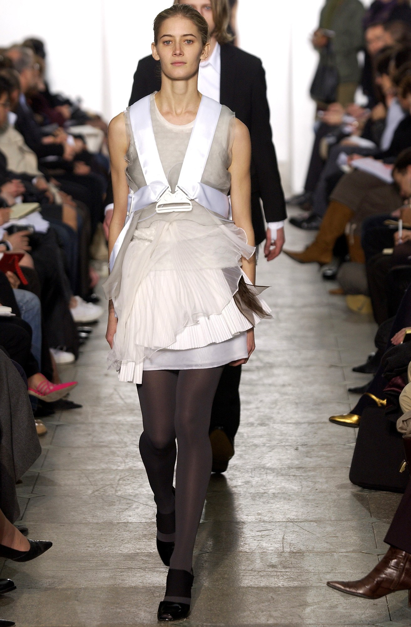 helmut-lang-fall-2003-ready-to-wear-00450h-valerie-sipp.jpg