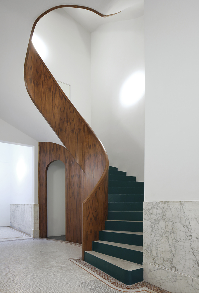 000_Leysstraat_The_new_stair_to_the_apartments_GF.jpg