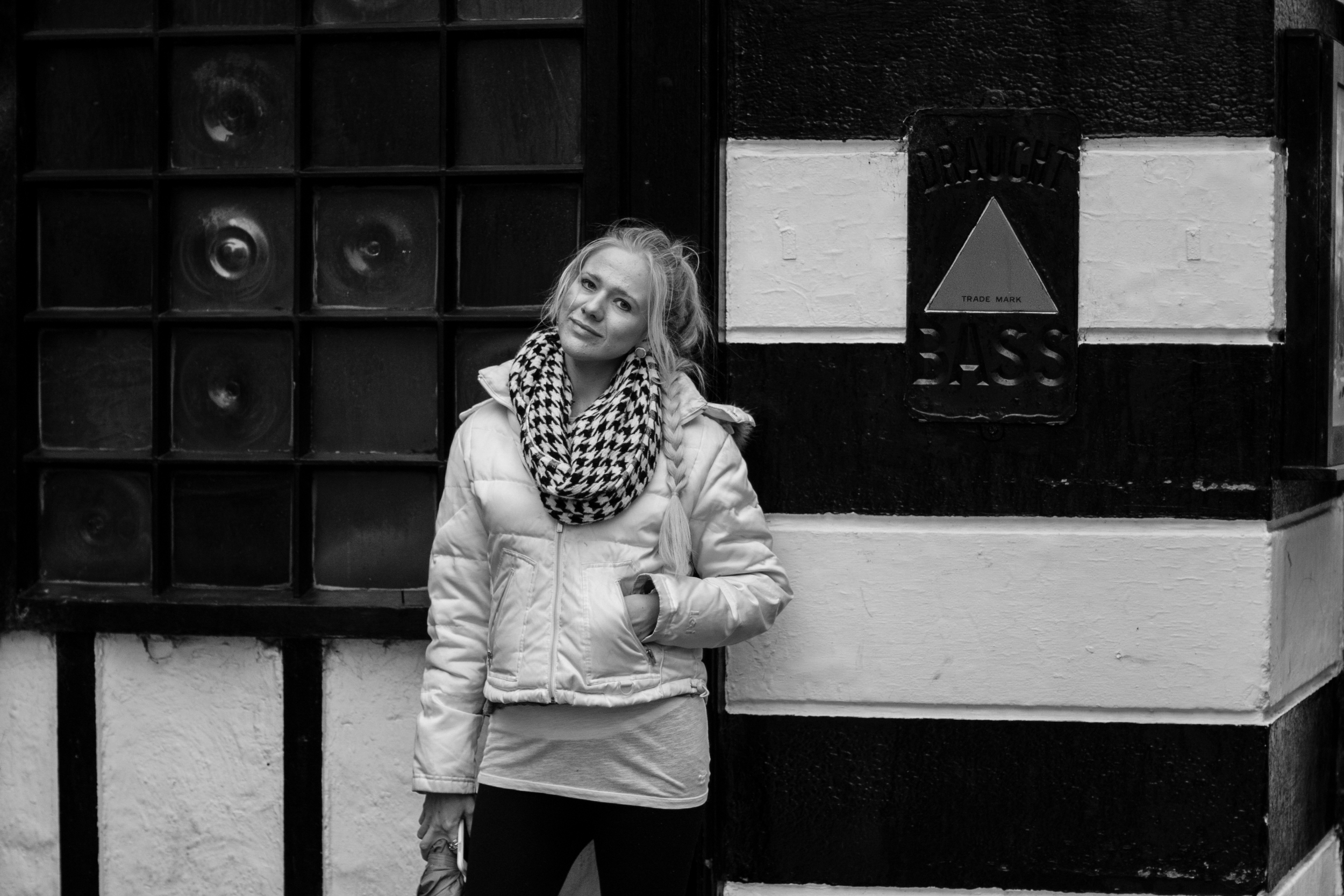 i loved the outside of this black and white striped pub. (and this is my exhausted, pregnant and tired of walking, cold and wet, i - miss - the - sunshine face haha!)