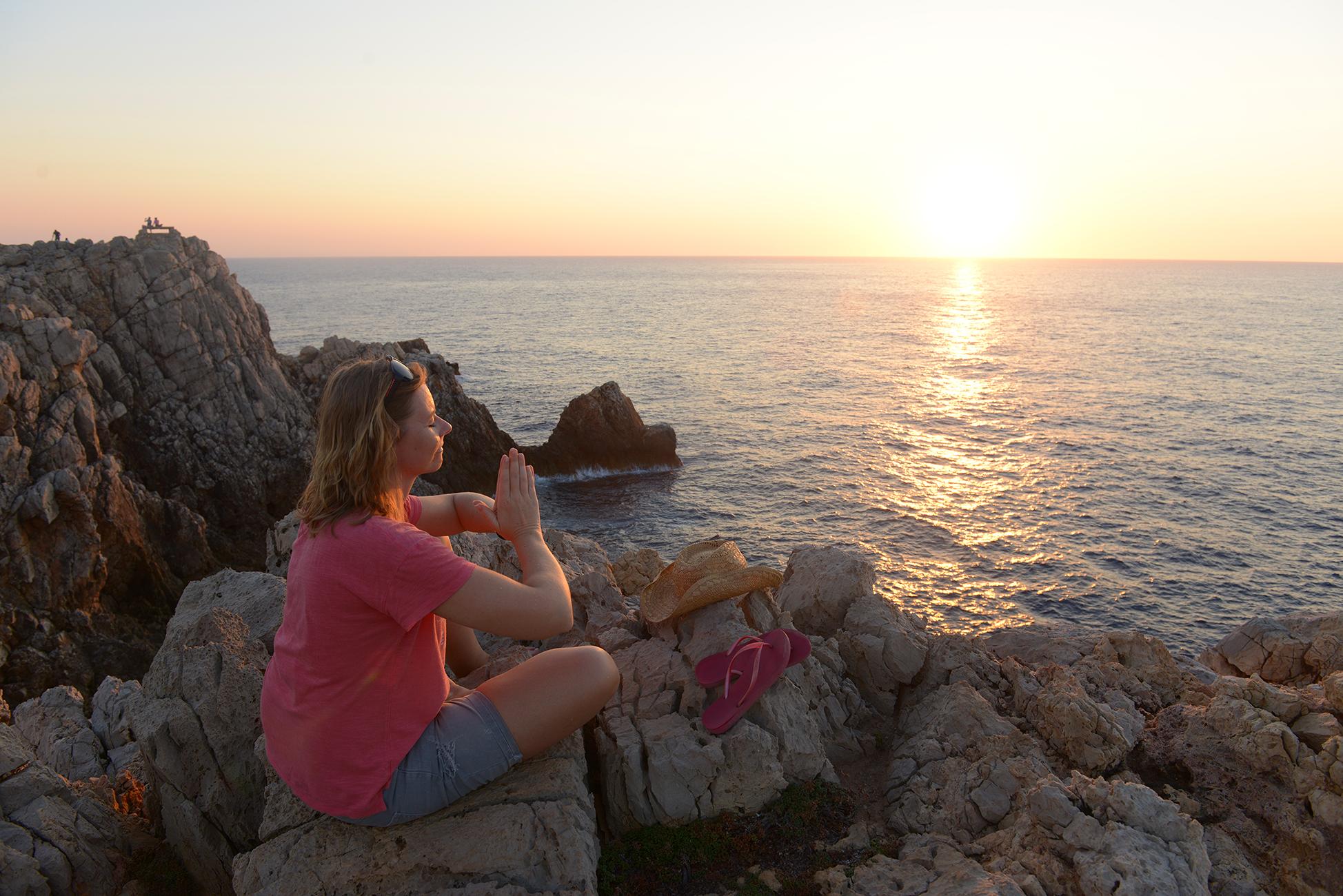 menroca, auringonlasku, välimeri, jooga, kesä