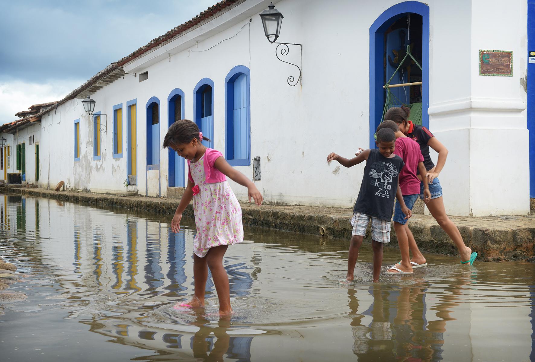 matkablogi, blogi, Brasilia, Paraty, värikäs, vesi