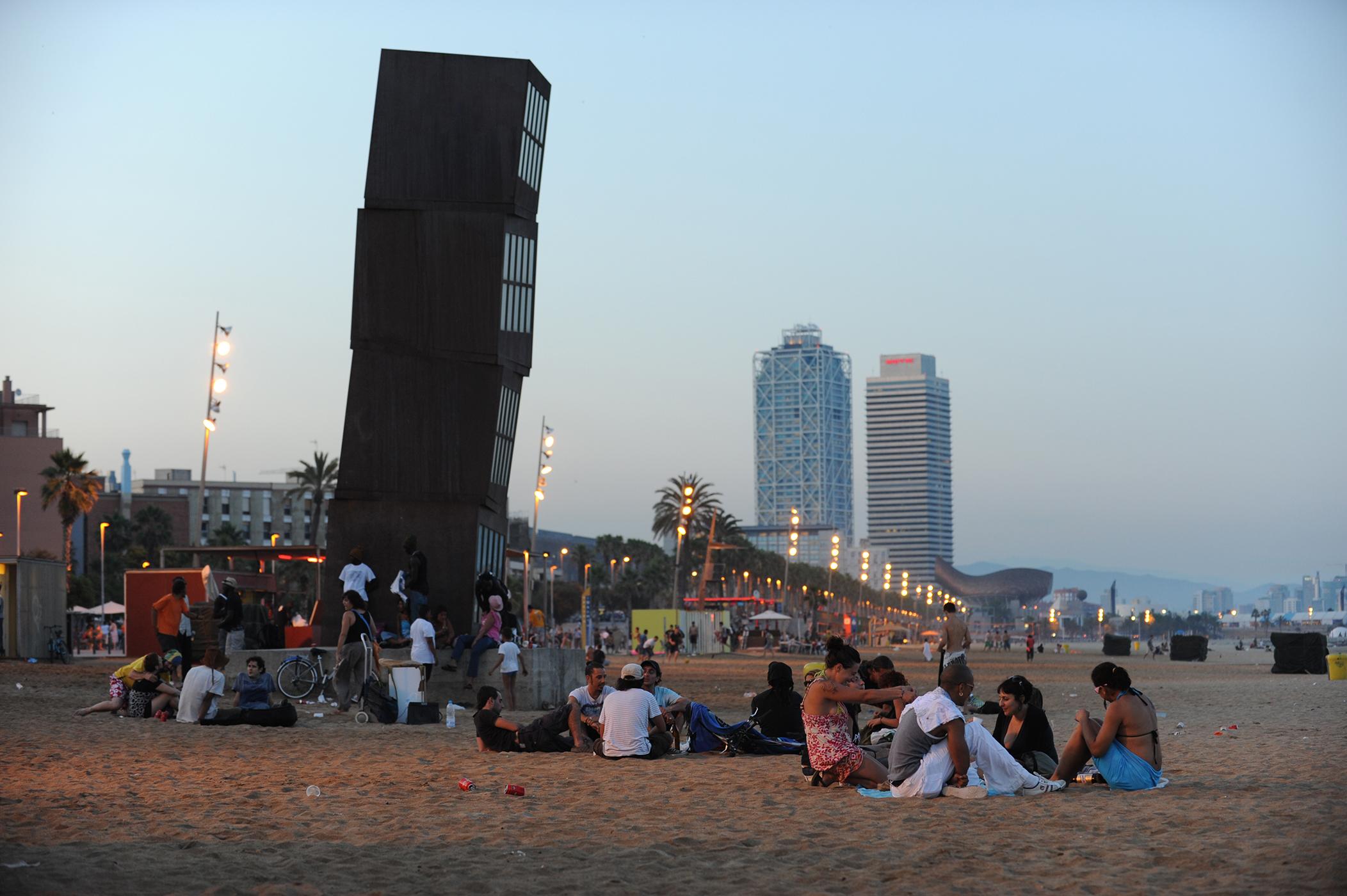 Barcelona, Espanja, ranta, meri, ilta, matka, matkablogi