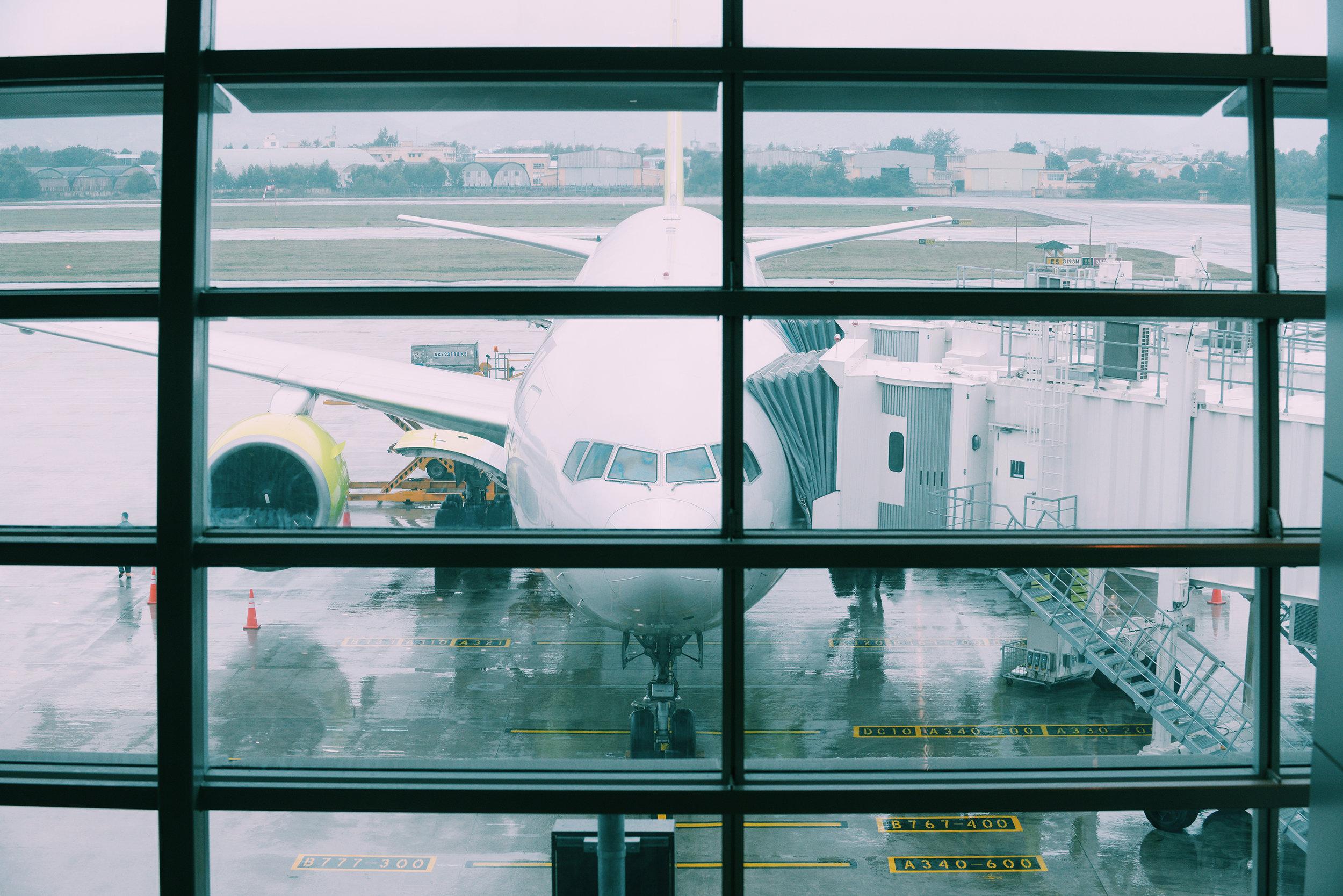 Lentomatkustus, lentokenttä