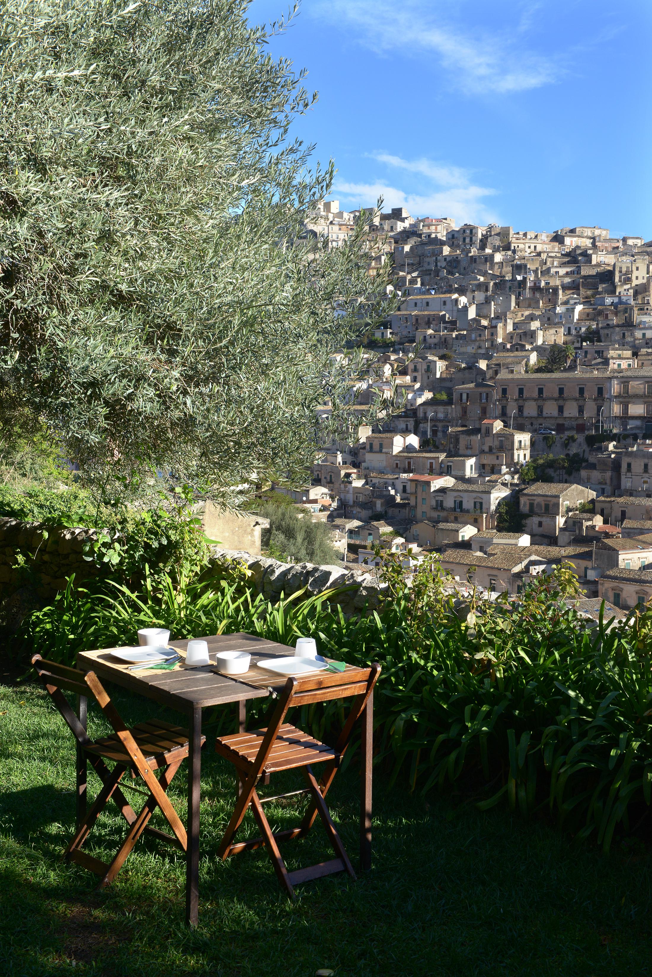 Näkymät, aamupala, Sisilia