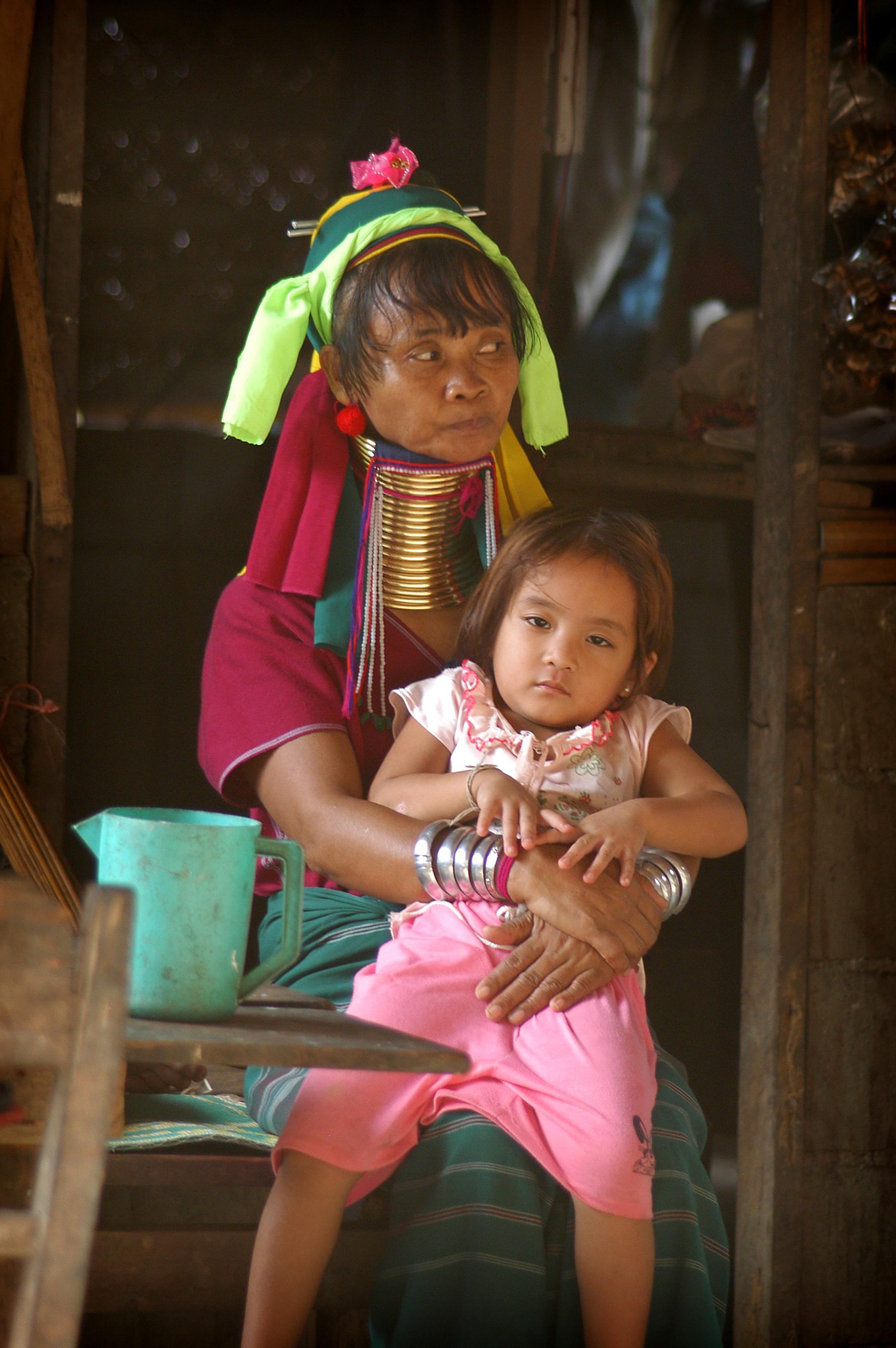 Thaimaa, Pohjois-Thaimaa, vuoristoheimo, Nai Soi