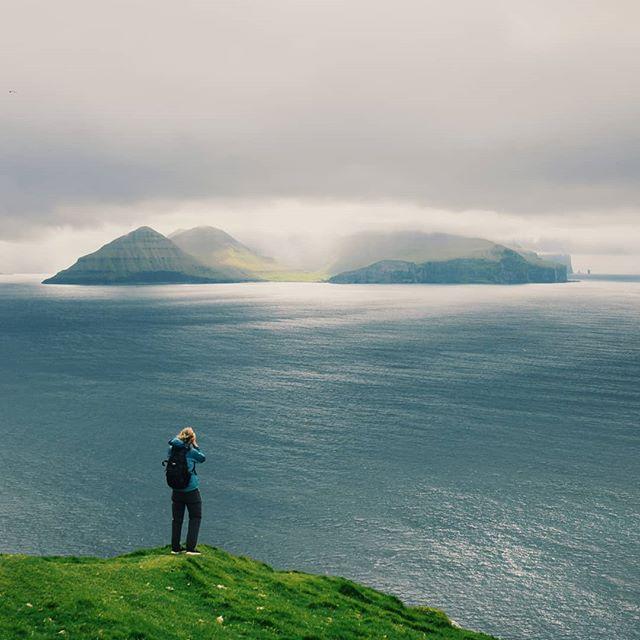 Tuulen huminaa ja meren kohinaa.  Hiljaisuuden kuuntelua.  #fäärsaaret