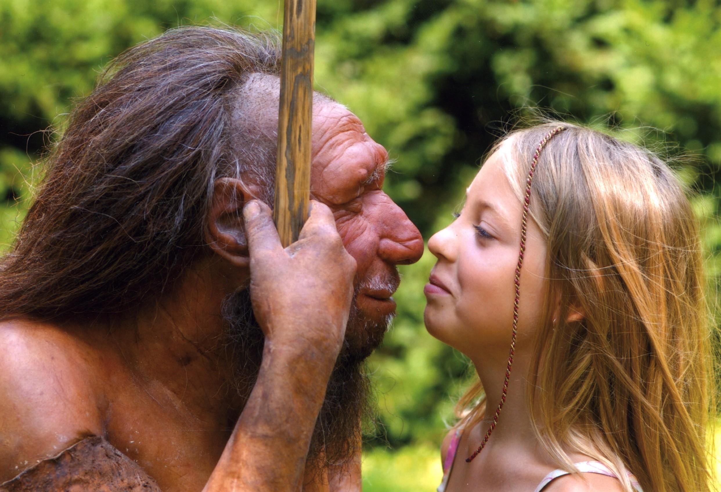 Via: http://www.livescience.com/images/i/000/059/863/iFF/neanderthal-girl-131202.jpeg?1386001695