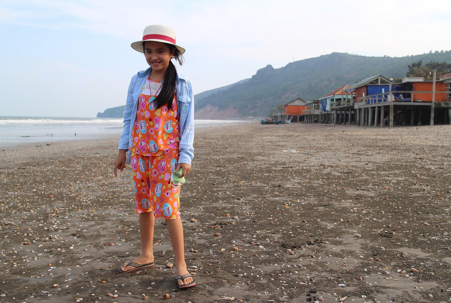 Duara_village_quynh_nqoc_beach.jpg