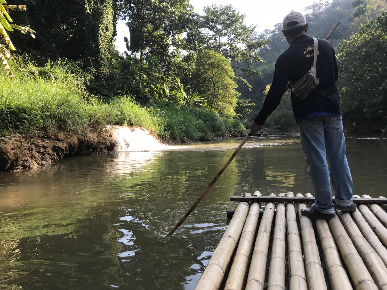 bamboo rafting mae taeng