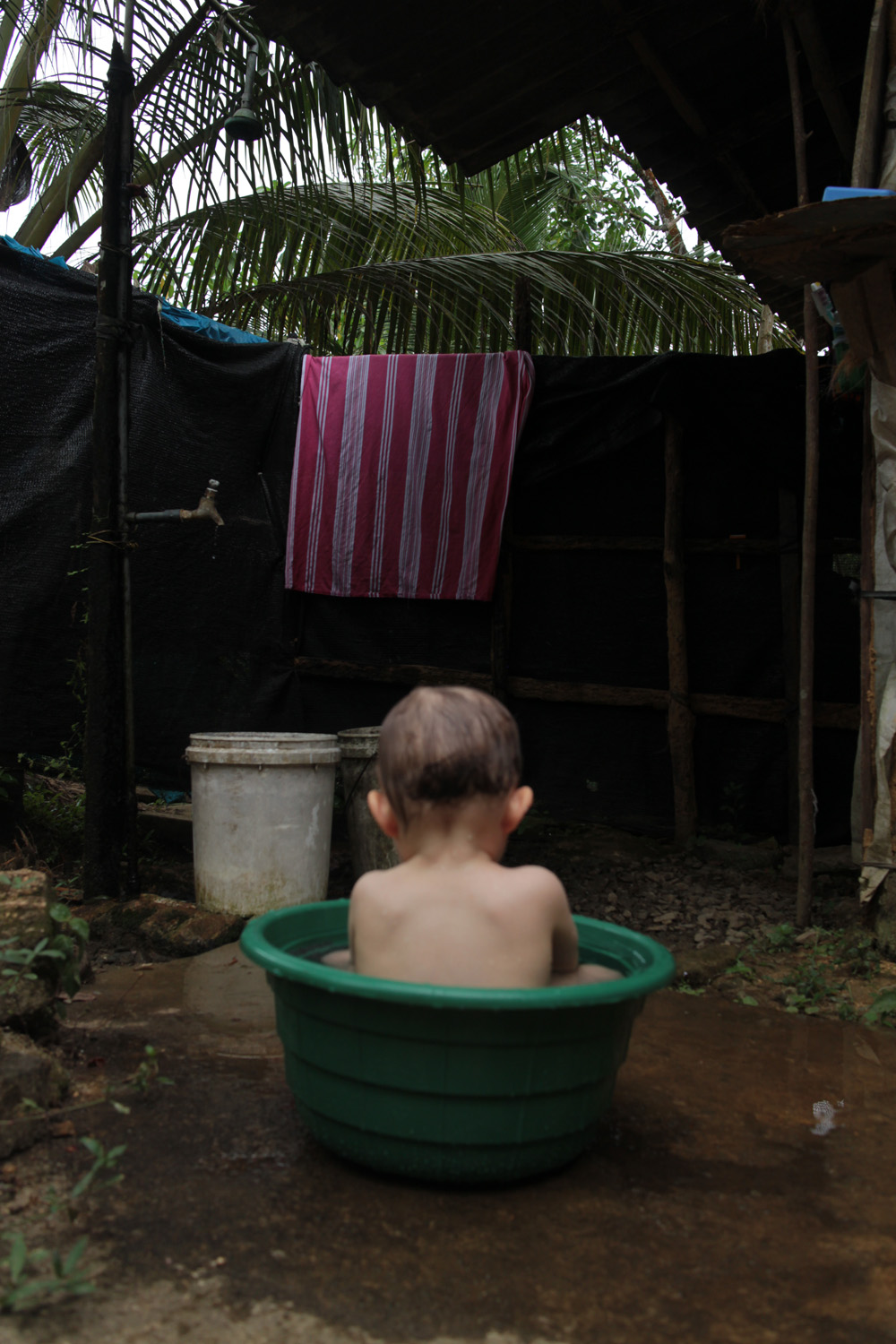 The daughter of Lauri and Duara co-founder Annika in Pha Mon, Thailand