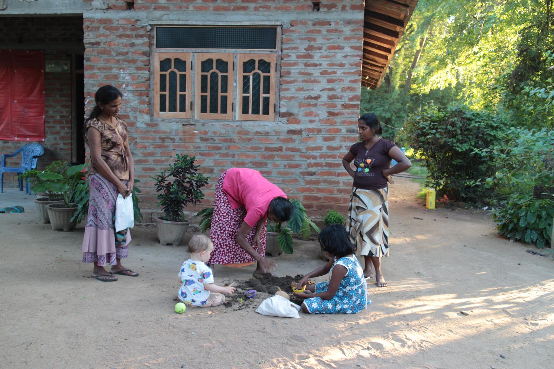 The daughter of Lauri and Duara co-founder Annika in Alagollewa, Sri Lanka