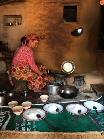 kitchen eating kaskikot nepal pokhara trekking annapurna sarangot.jpg
