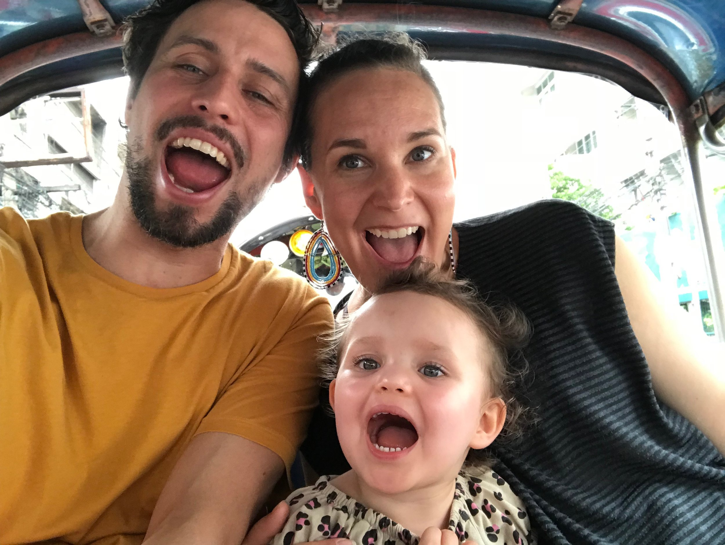 Tuktuk_with_children.jpg