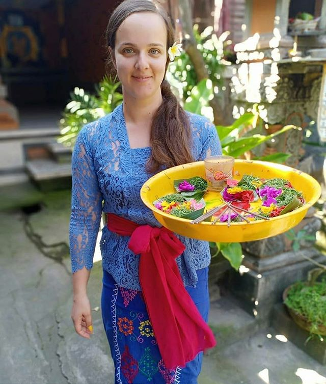 "Thoughts of our local contact, Adi, who takes care of travellers in Perasi and Gadungan in Bali: ""What a beautifull girl!!😍. I really appreciate when I see the tourist to try to wear balinese uniform and  learn all about balinese habit and culture directly by local host.  Thank you so much to @luciana_vmsilva for visiting us in perasi Village. Hopefully you feel comfortable living there and Enjoy your advanture 😊🙏🙏"" #staywithlocals #vacation #vacationinbali #vacationtobali #enjoyinbali #enjoyholiday #travellinginbali #travellingtobali  #travelling #travel #traveller #tourism #tourisminbali #americantravel #australiantraveller #europeantravellers #beautifulbali #beautifulplace #beautifuldestinations"