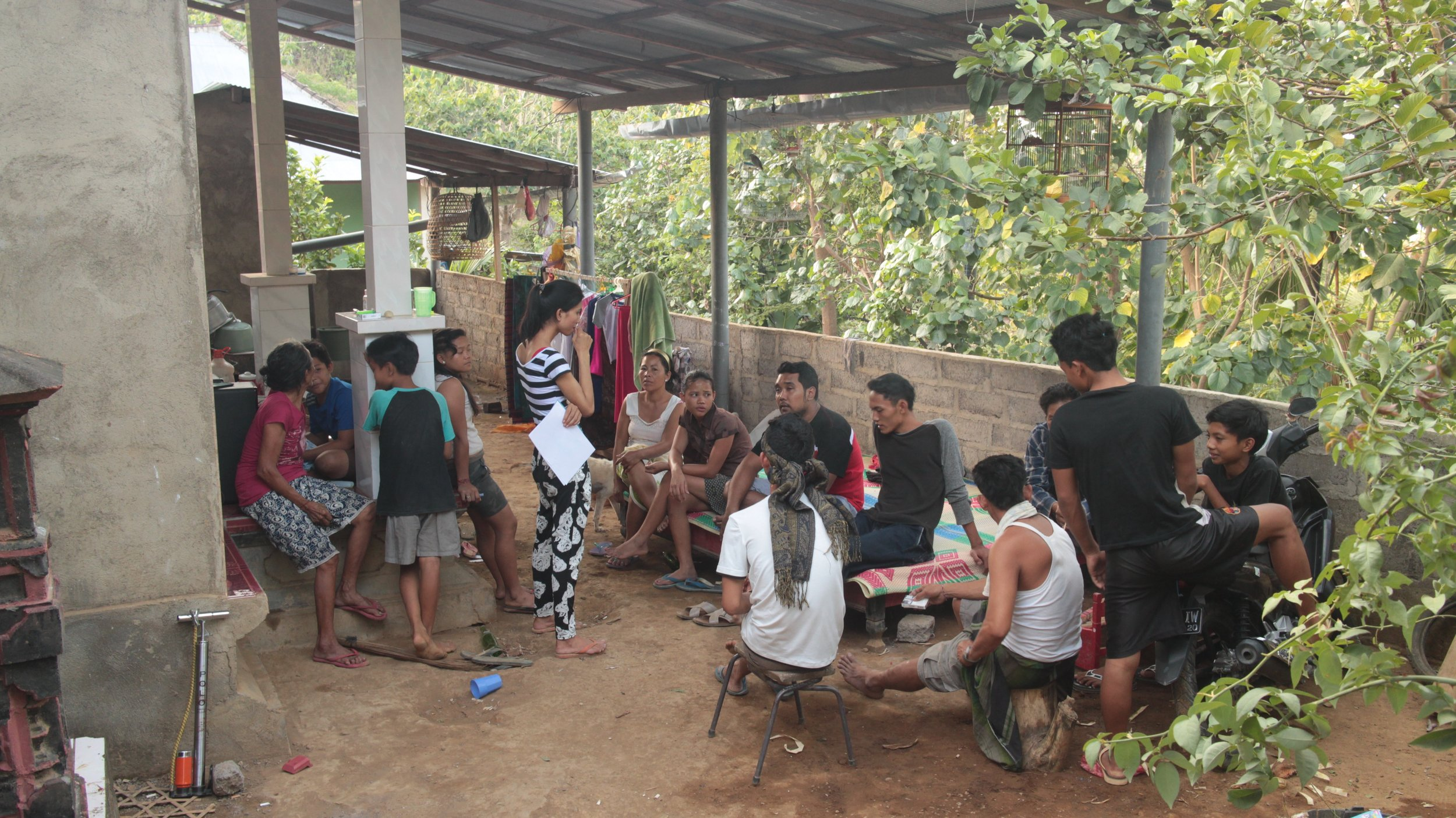 Suri and Adi introducing Duara concept to locals in Munti Gunung.