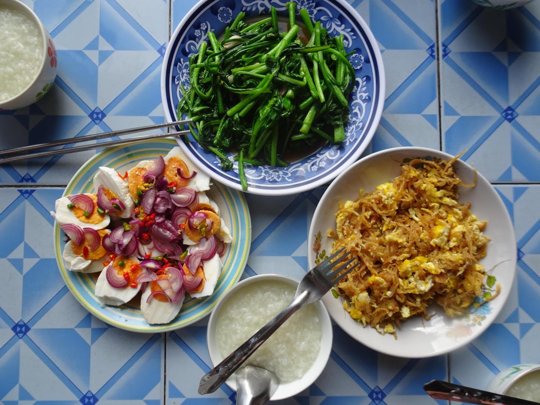 Nothern_thai_food.jpg