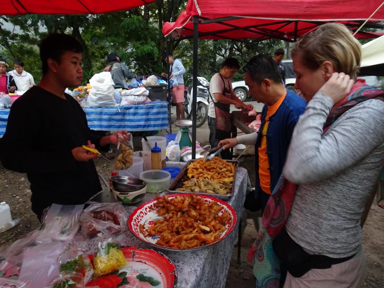 Chiang_mai_farmers_market.JPG
