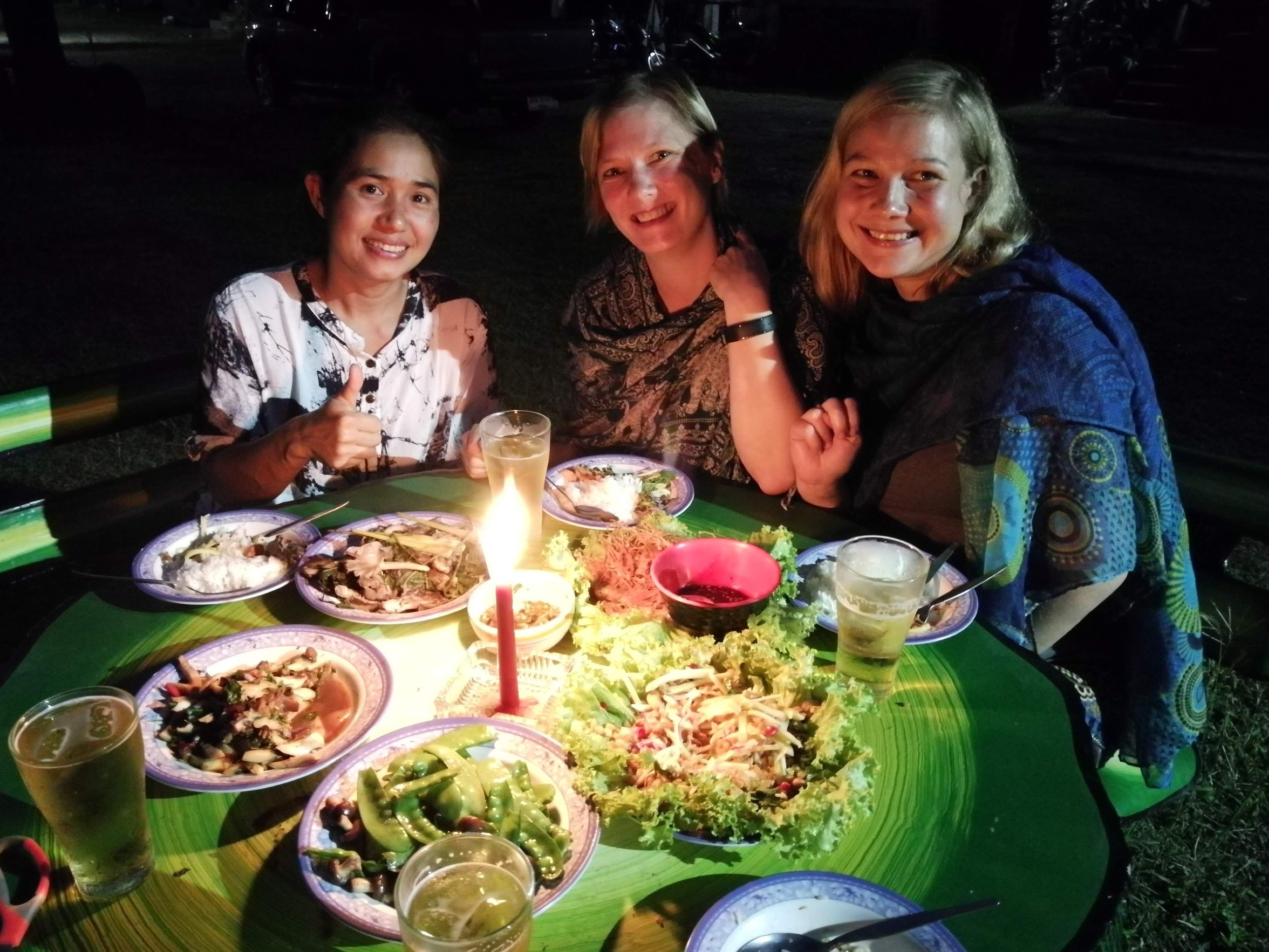 Northern_thai_delicacies.jpg