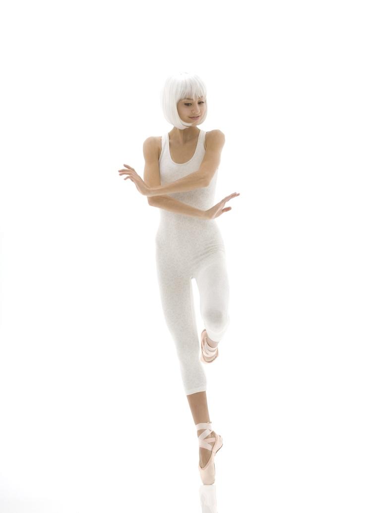 Ballerina09_8bit.jpg