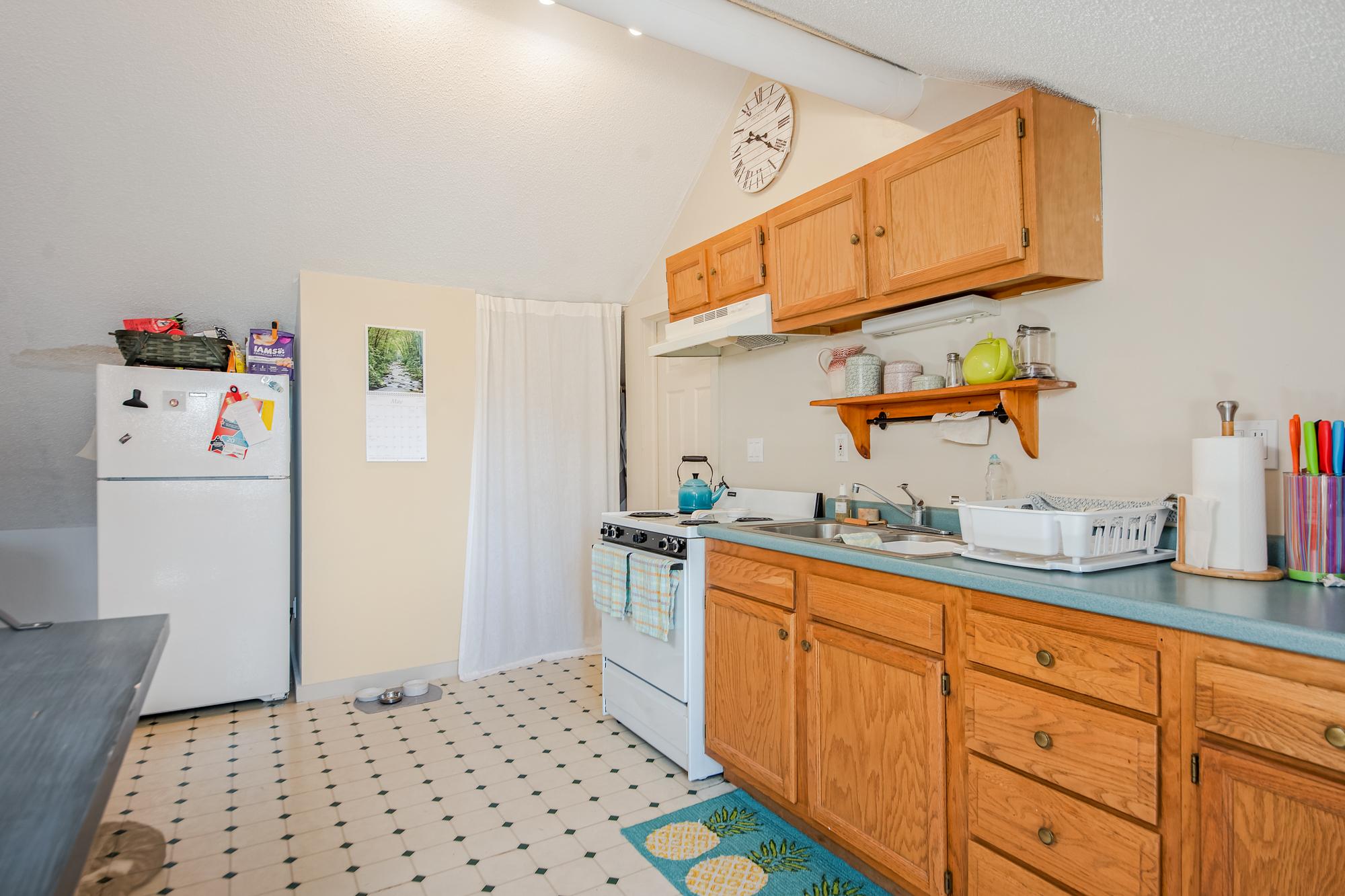 51-53 Prospect-kitchen24.jpg