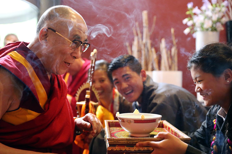 dalai_lama_visits_netherlands