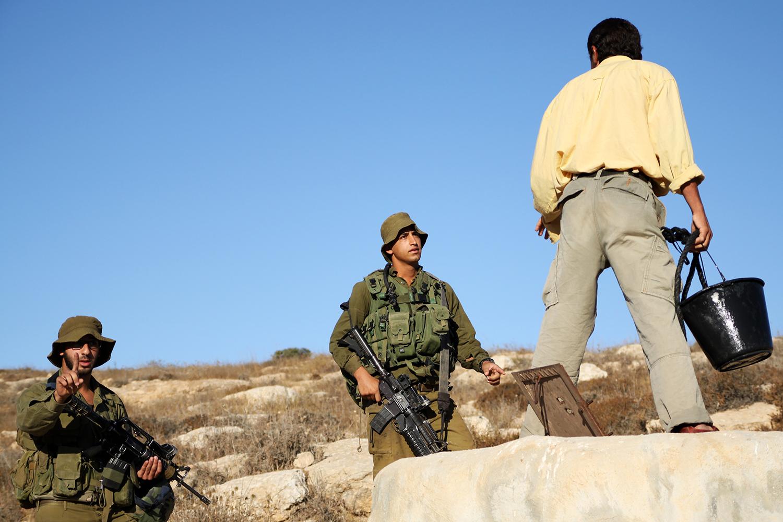 palestine_farmers_hrassed_israel_idf_jeppe_schilder