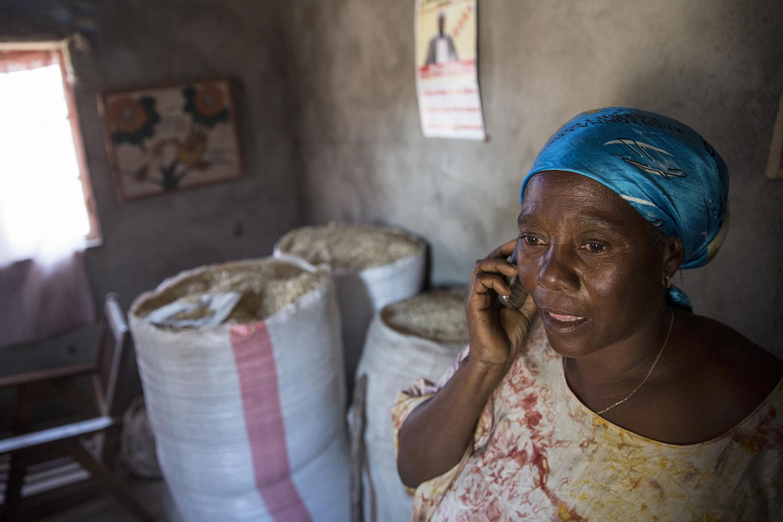 oxfam_novib_congo_women_empowerment_cooperative_credit_jeppe_schilder