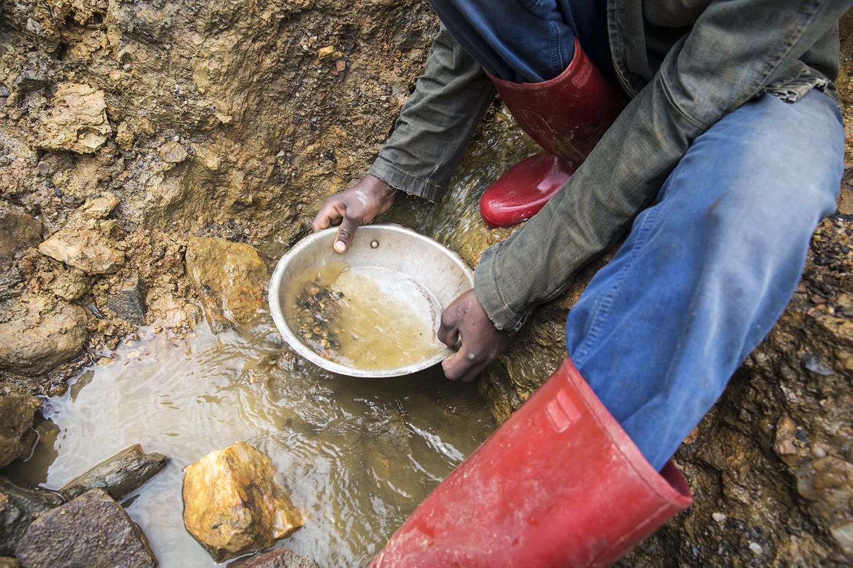 2015_DRC_Congo_conflict_minerals_10.jpg