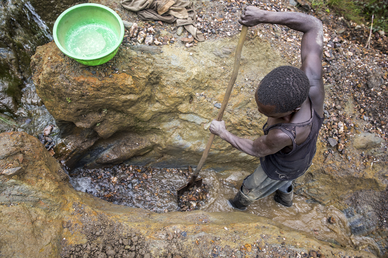 2015_DRC_Congo_conflict_minerals_12.jpg