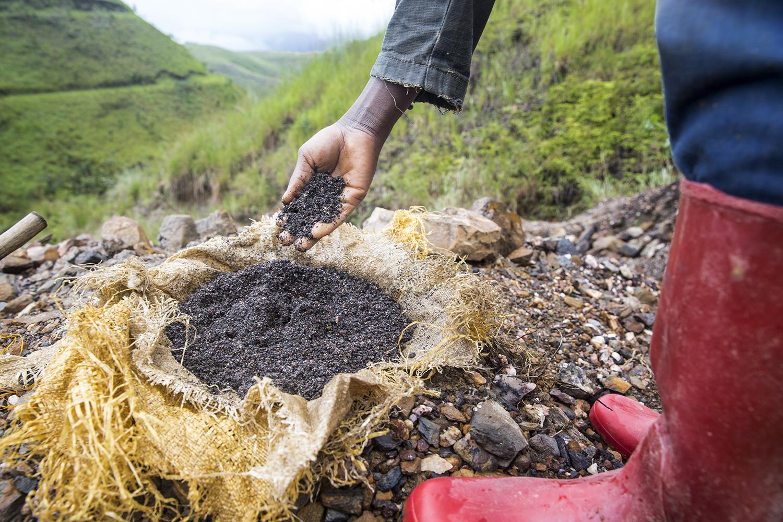2015_DRC_Congo_conflict_minerals_13.jpg
