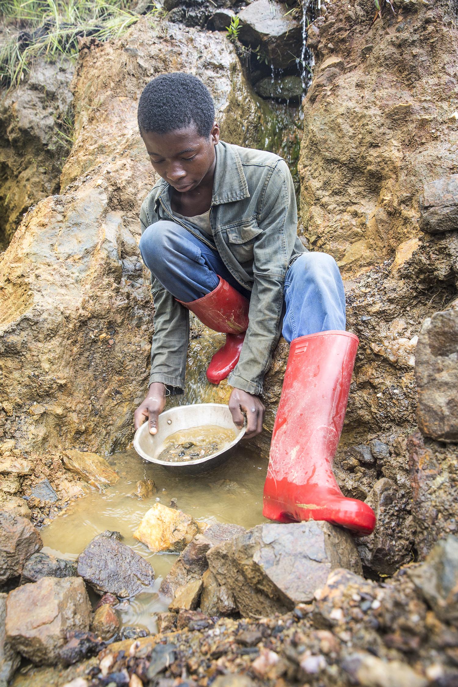 2015_DRC_Congo_conflict_minerals_11.jpg