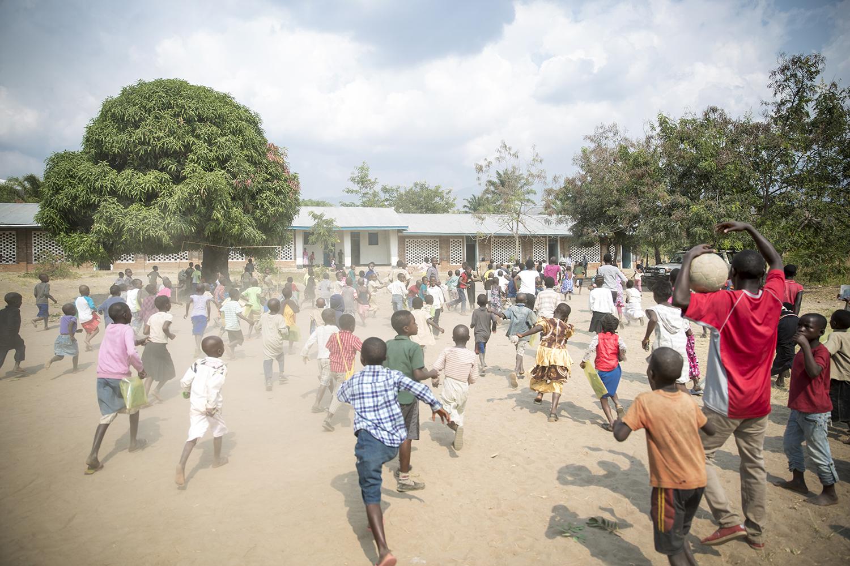 15_20150728_War Child-Kahunga primary school Lusenda-Jeppe Schilder.jpg