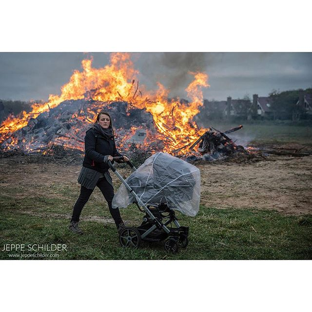 30 April 2019 - Texel island, the Netherlands . . . . #Meierblis #bonfire #vreugedevuur #texel #texelisland #thenetherlands #holland #fire #vuur #culture #cultuur #tradition #traditie #volksfeest #annualfestival#waddeneiland #wadden #picoftheday #travelphoto #wanderlust #instatravel #travelgram #travelphotography #island #spring #lente #traveltheworld