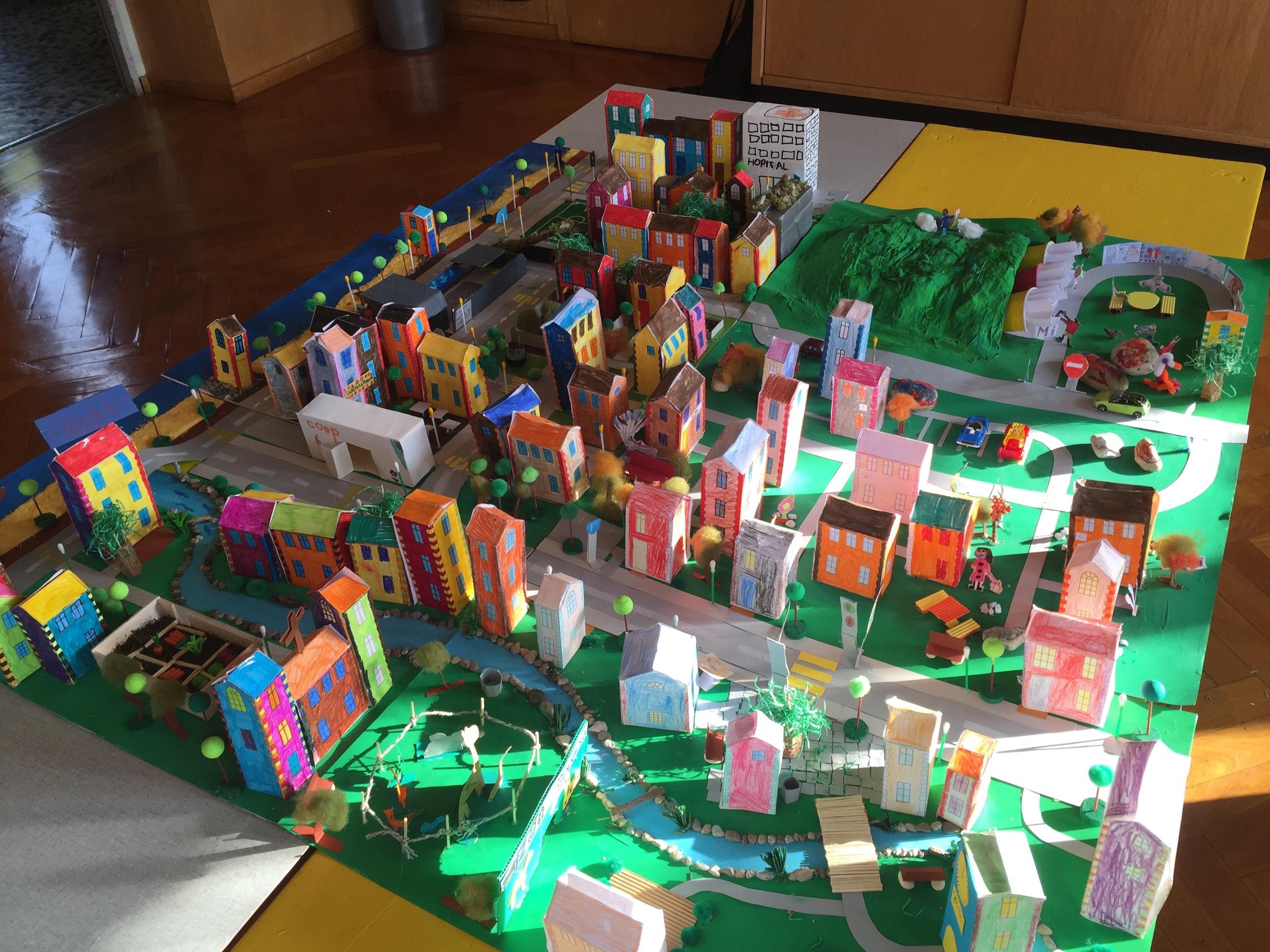 Lausanne, Collège de La Barre, maquette de la ville idéale de 6 classes // janvier-mars 16