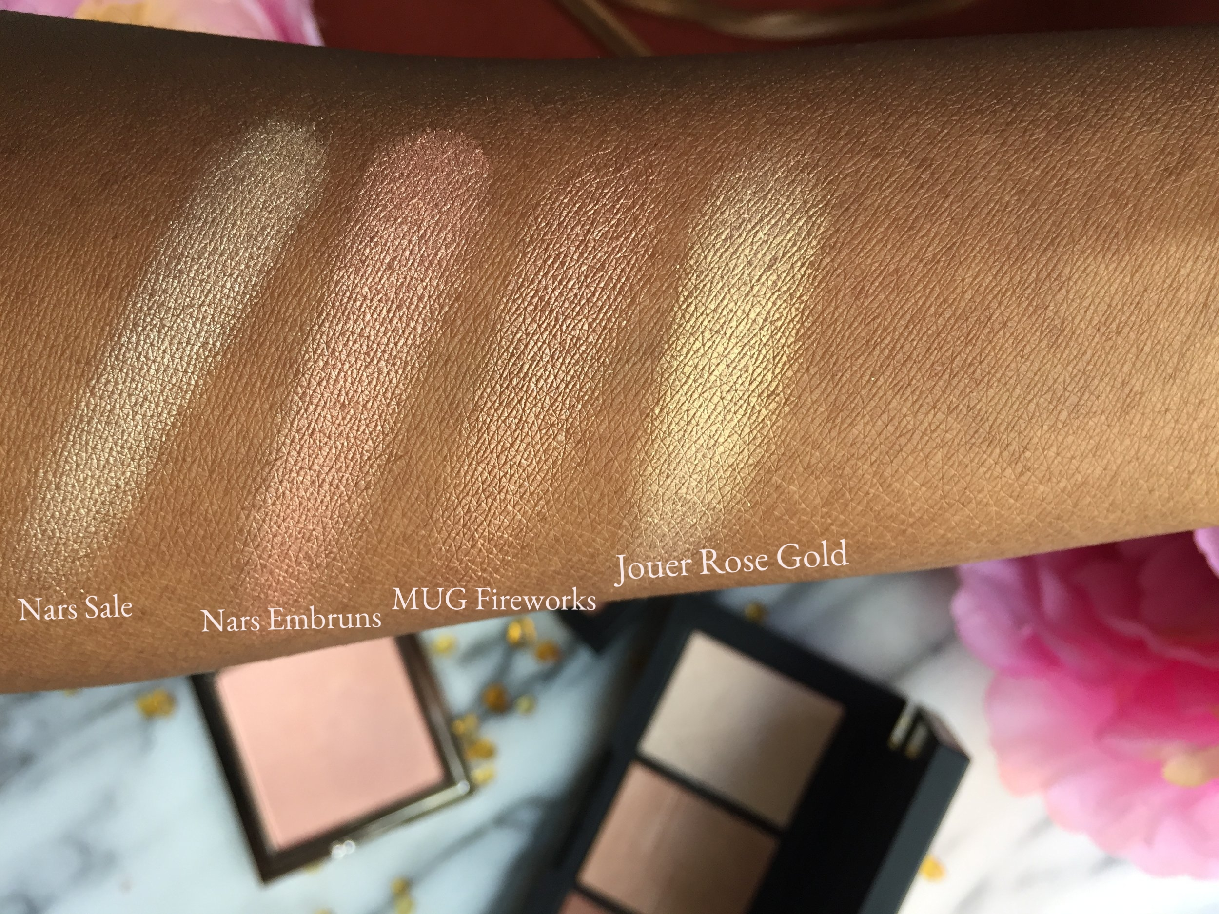 MUG Firework, Jouer Rose Gold and Nars Banc De Sable Highlighter Swatches