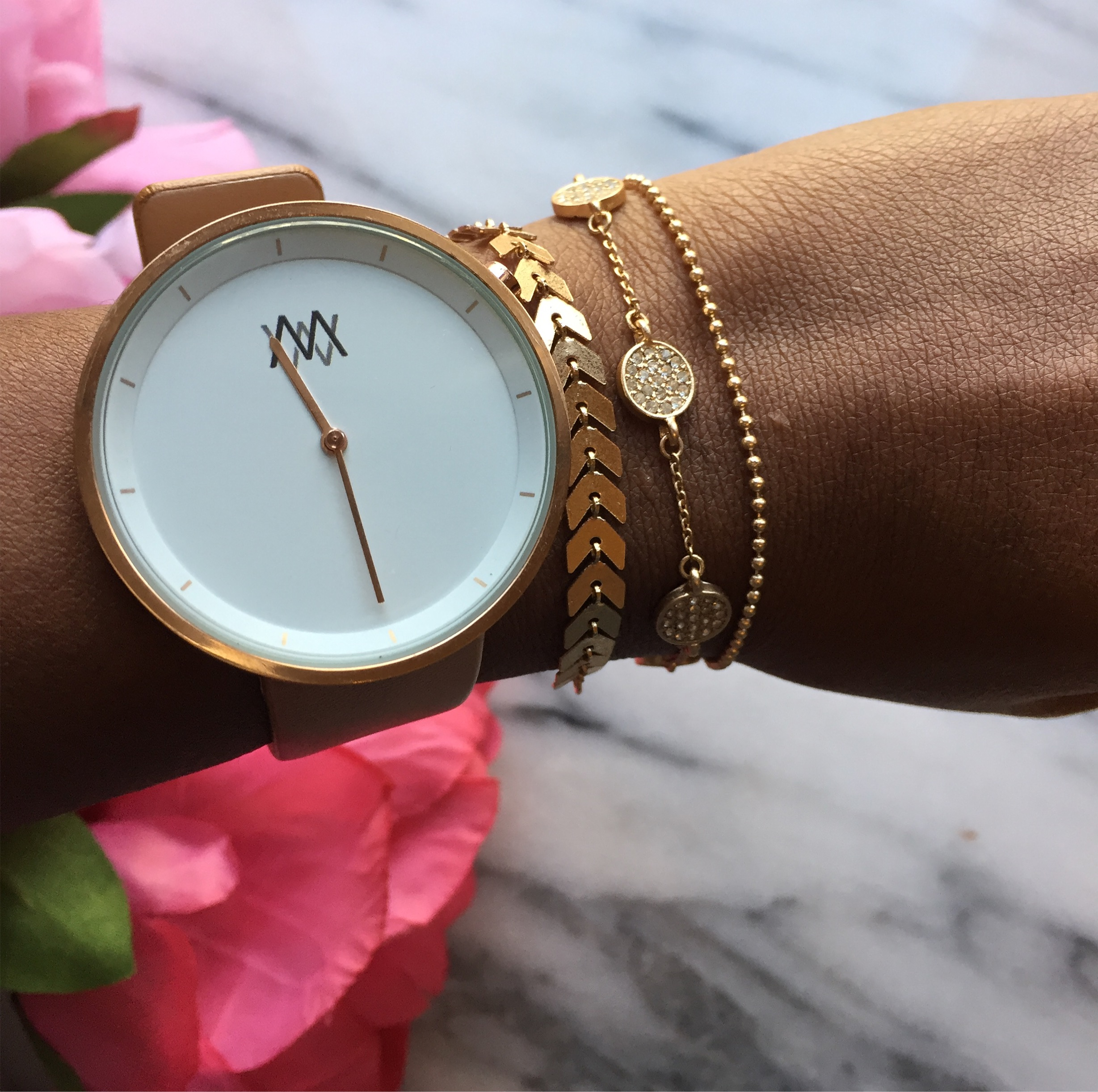 Stacking dainty bracelets | 2017 Style Faves