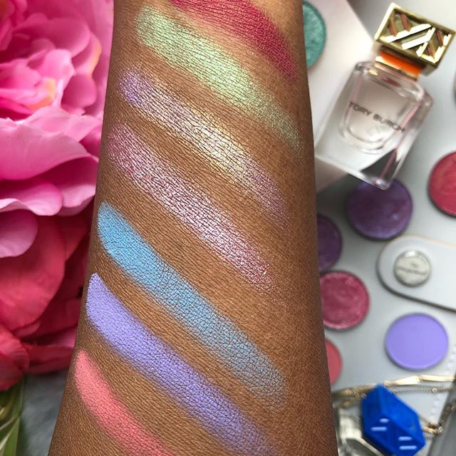 Some swatches of the #dreamweaver collection from @clionadhcosmetics #bblogger #bbloggersca #bbloggerscanada #indiemakeup #makeupswatches #indieswatch #indieandmelanin #prettylittleinspo #prettylittlething #beautybloggers