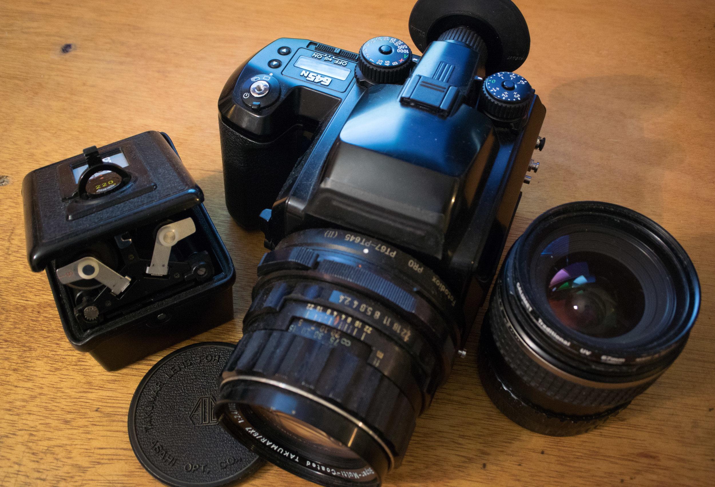 Pentax 645n + 45mm + 105mm + 220 insert
