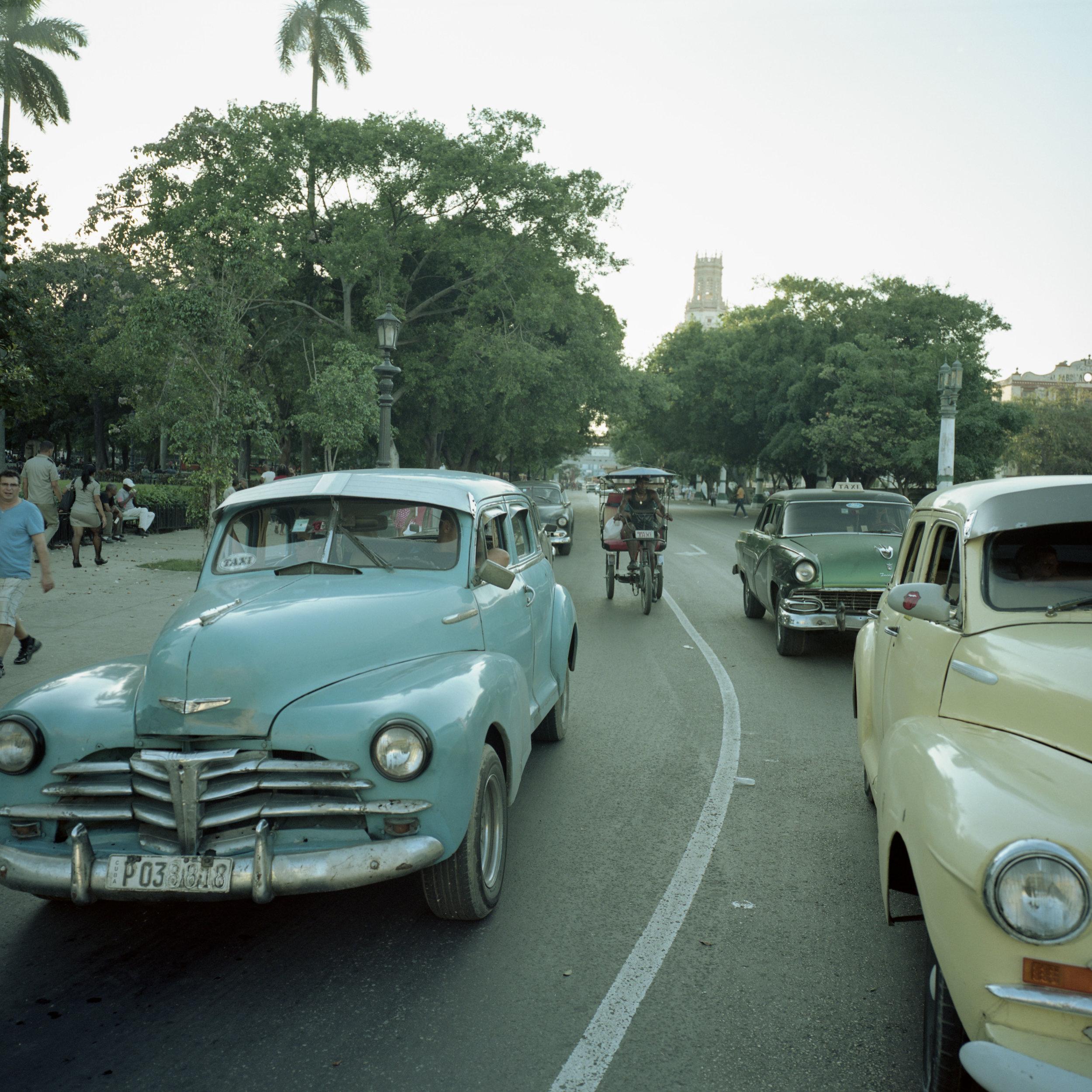Typical light in Havana Gf670w + Portra