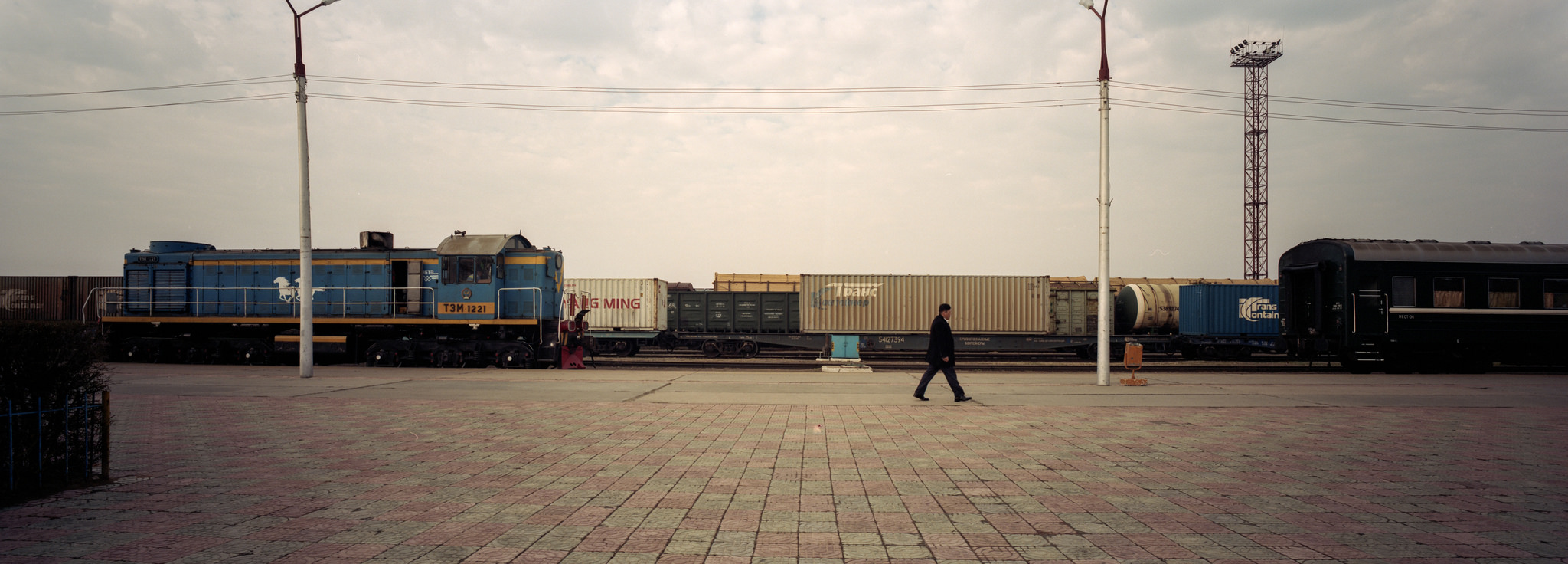 The long wait at the border P614   Super Angulon 58mm   Kodak Portra 400
