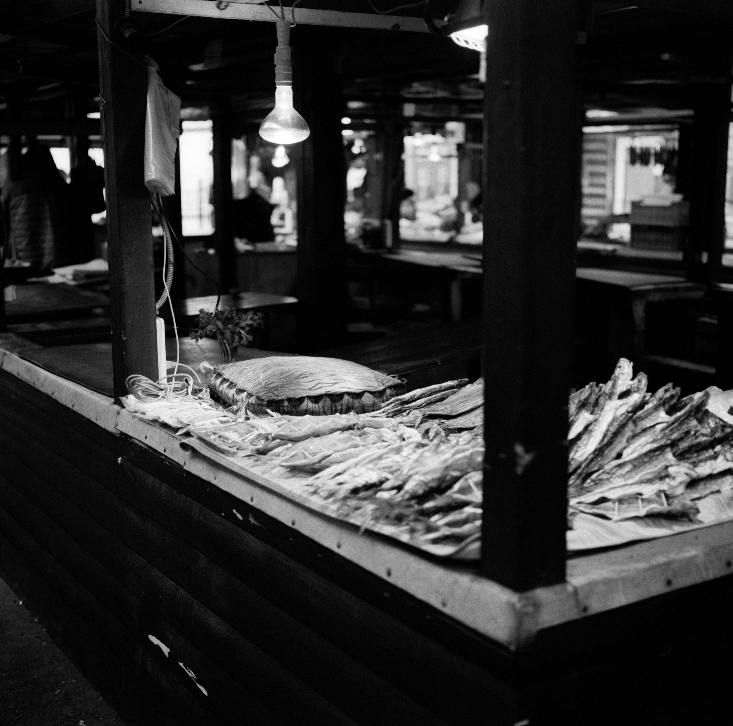 Omul at the market Fuji GF670   Ilford HP5