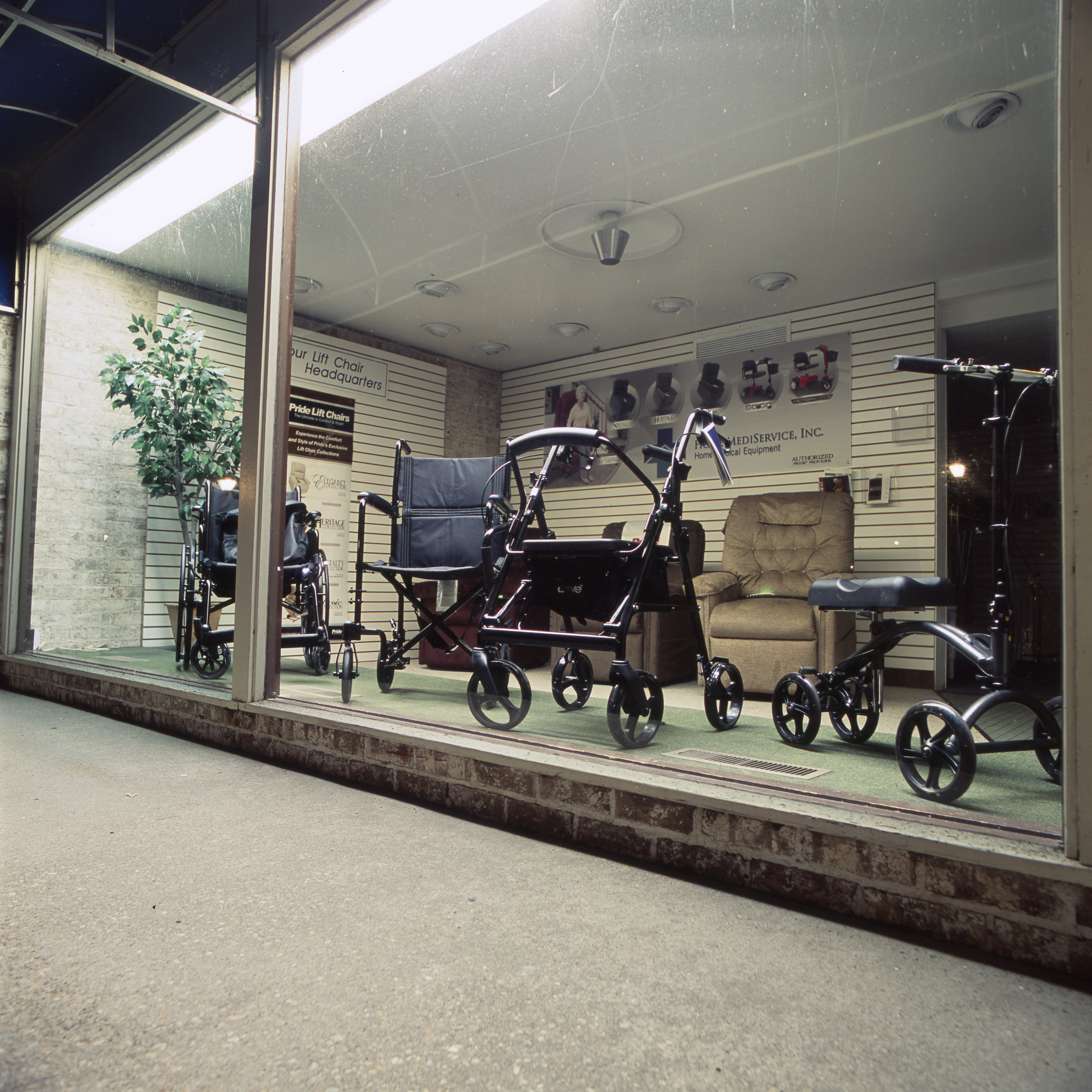 Wheelchairs Hasselblad 501cm | 80mm F2.8 T* | Fuji Provia 100f