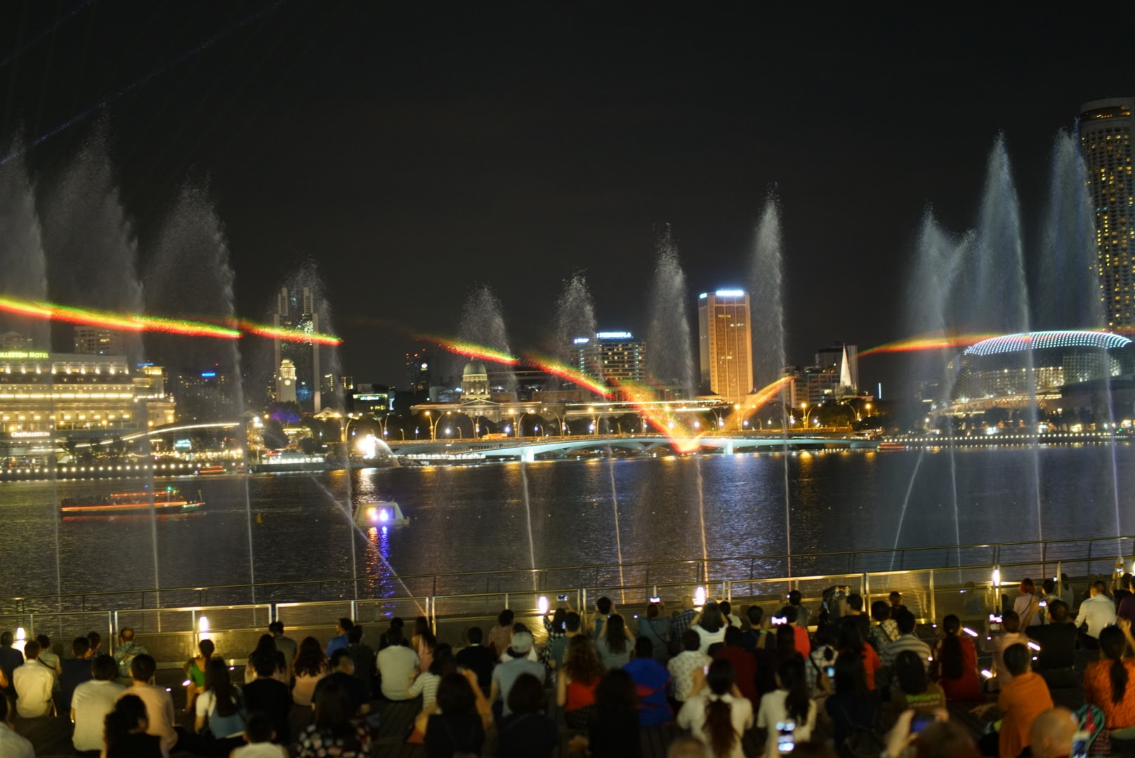 The water show in front of the Marina Bay Sands Shoppes
