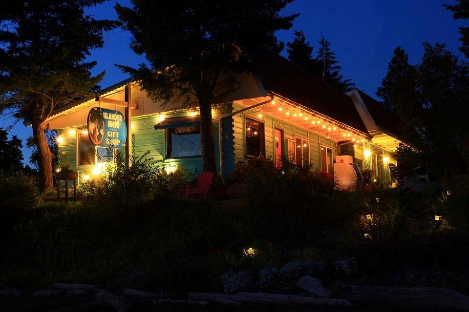 The Islander Inn at Night - Courtesy John Dunford